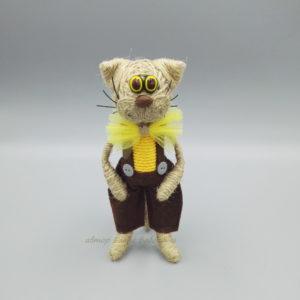 кот средний с жёлтым бантом